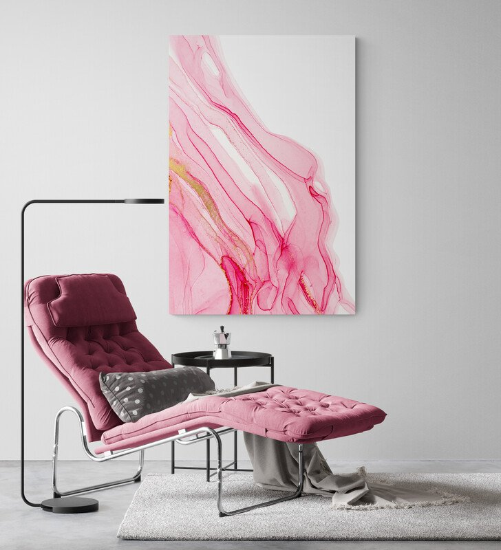 Stylish_sitting_room_with_chaise_lounger_and_lamp